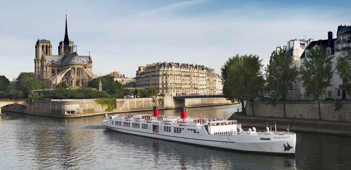Le Paquebot avec Notre Dame de Paris